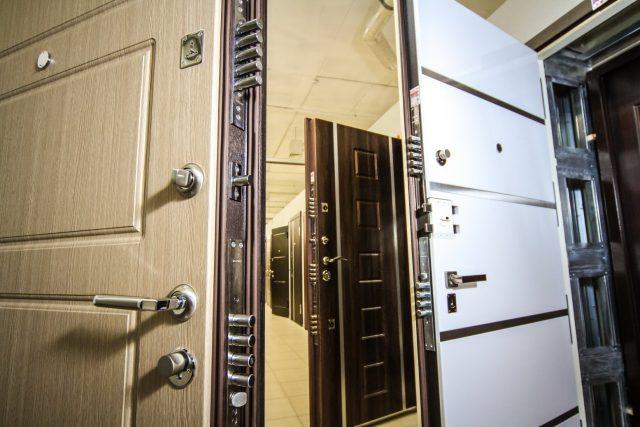 Где лучше приобрести входную дверь?