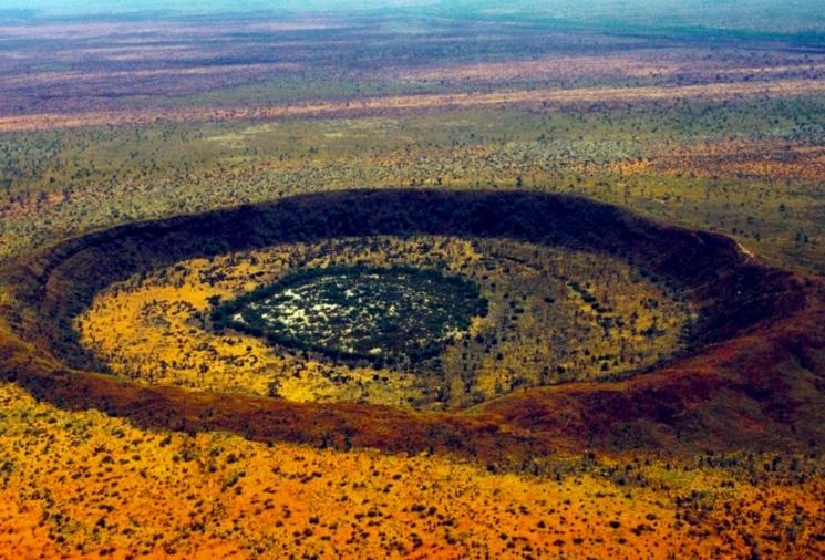 кратер Вульф Крик от упавшего метеорита