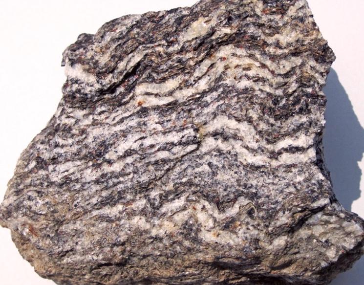 Крупнокристаллический гнейс