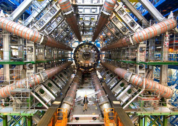 Большой адронный коллайдер, ЦЕРН