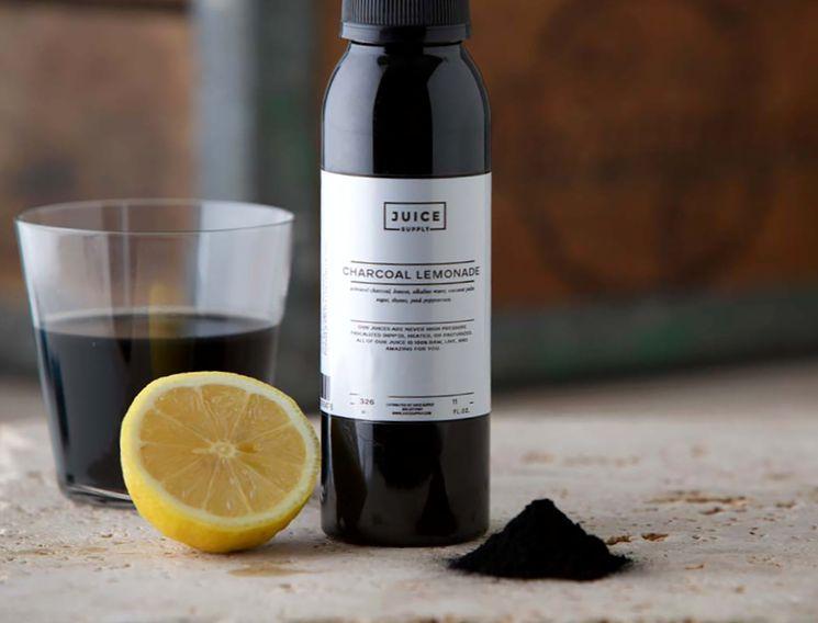 Лимонад из активированного угля