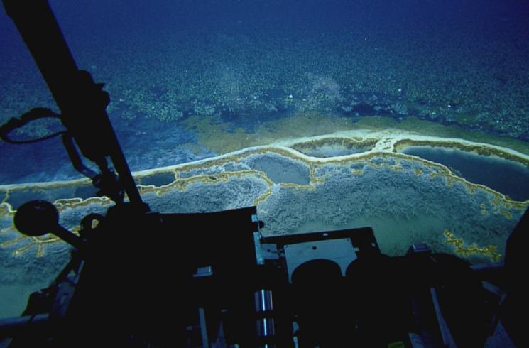 изучение мервых озер на подводном корабле E/V Nautilus