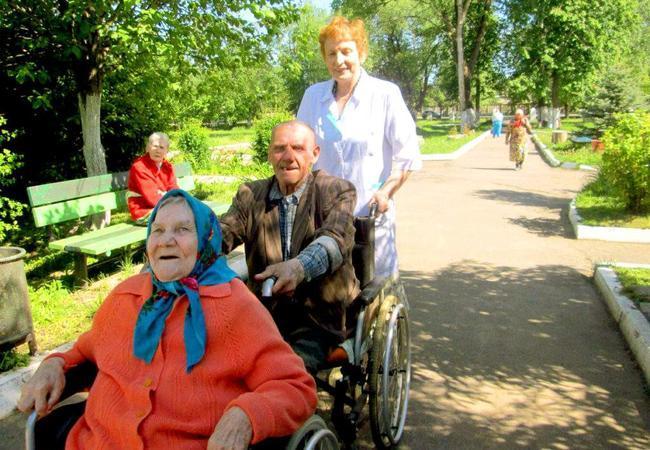 Как выбрать частный дом престарелых в Харькове?