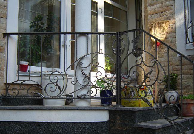 Кованые лестницы, кованые перила и лестничные ограждения в Киеве