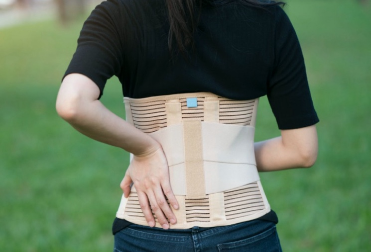 Поддерживающие устройства для лечения спины