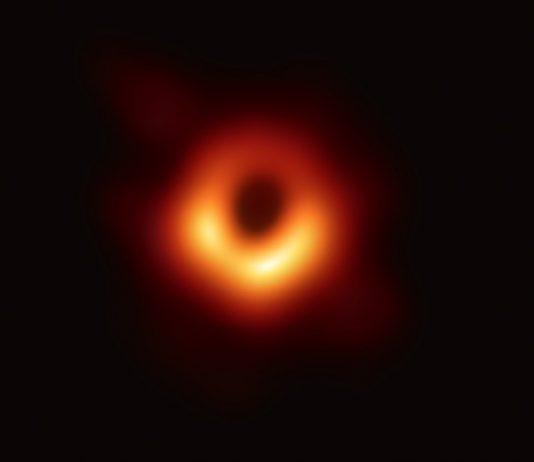 Получено фото черных дыр в космосе с помощью сети телескопов