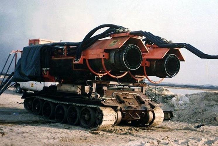 Пожарный танк Big Wind на базе шасси Т-34