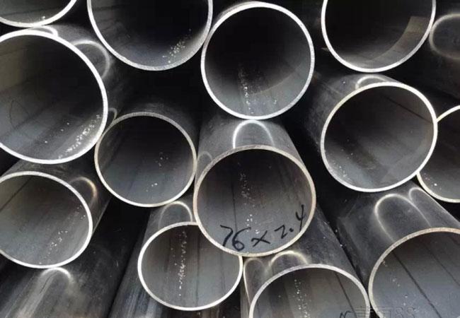 Труба из нержавеющей стали – универсальное изделие