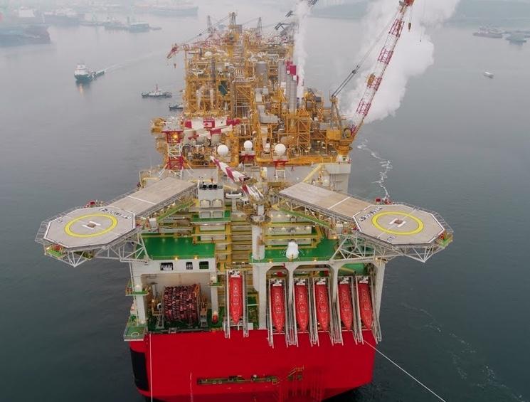 Плавучая платформа Prelude по добыче газа — самое большое судно в мире занесенное в книгу рекордов Гиннеса
