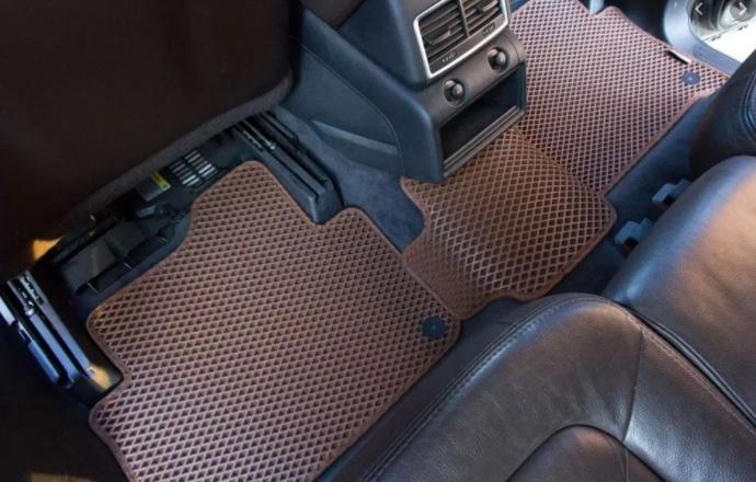 Как выбрать лучшие автомобильные коврики?