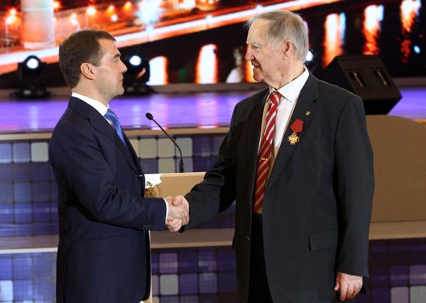 Награждение Сергея Капицы президентом России