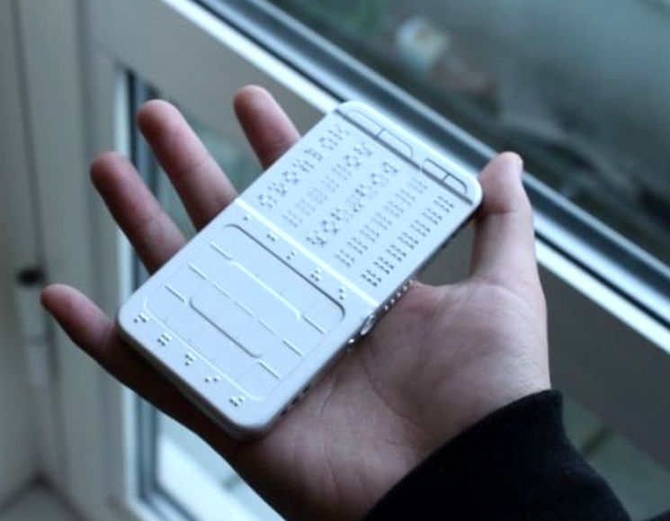Сенсорный смартфон для слепых на шрифте Брайля