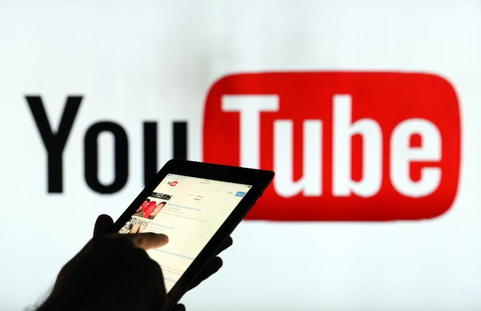 >Популярность блогеров на Youtube