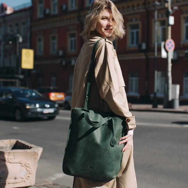 Знакомство с ассортиментом магазина кожаных сумок и рюкзаков