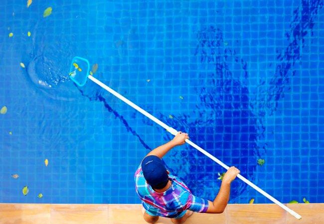 Строительство и уход за бассейнами. Жидкая химия для бассейна от СтройБассейн