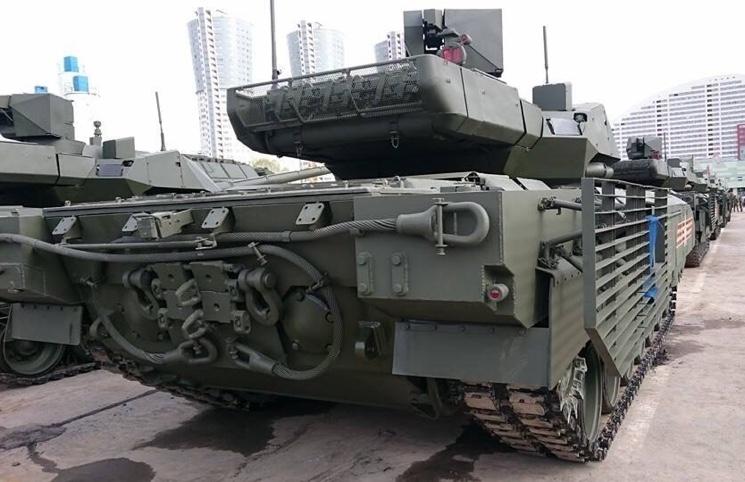 Фото нового танка Армата без чехла на башне, май 2015