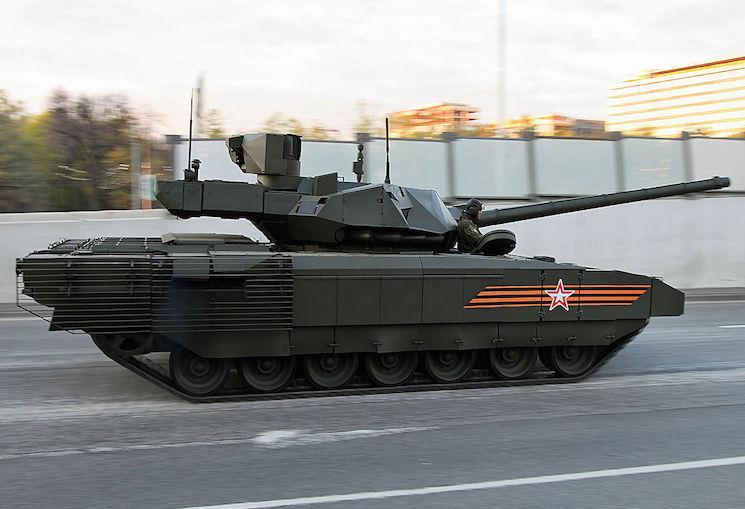 Средний танк Армата Т-14 на марше