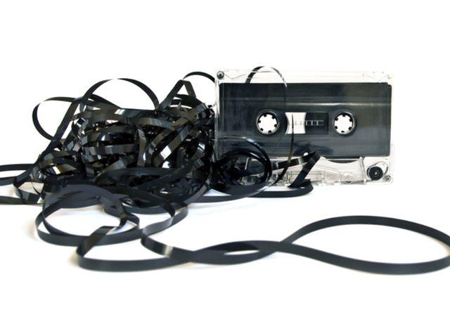 Аудио-кассета - возможно один из самых популярных носителей информации