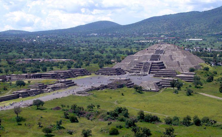 Заброшенный город Теотиуакан в Мексике