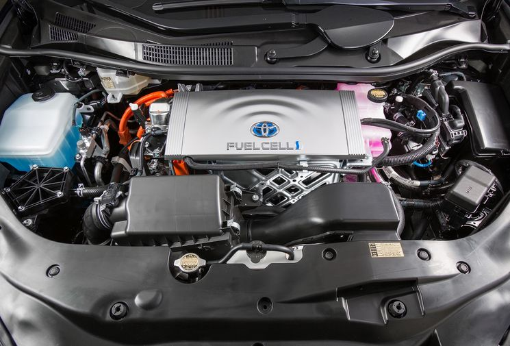 Заглянем под капот водородной Toyota Mirai