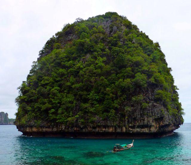 Острова Фи-Фи близ Пхукета. Тайланд