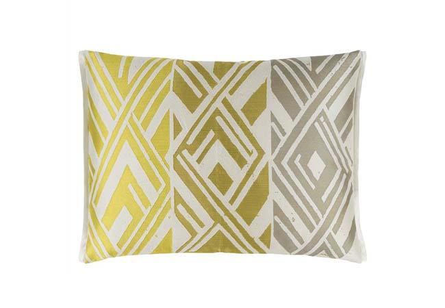 Декоративні подушки на диван і ліжко від виробника
