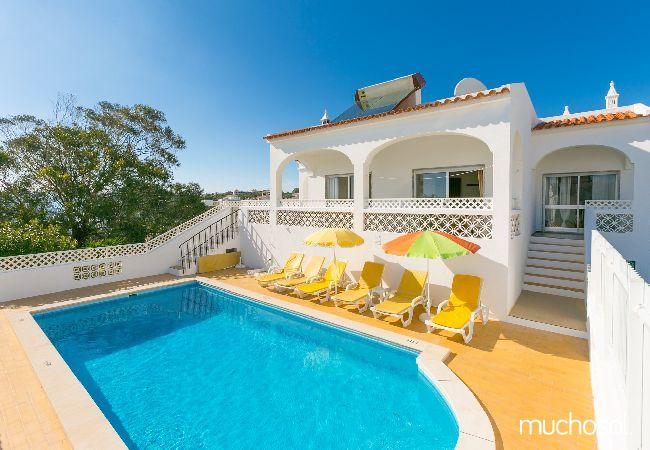 Есть ли смысл купить недвижимость в Португалии?