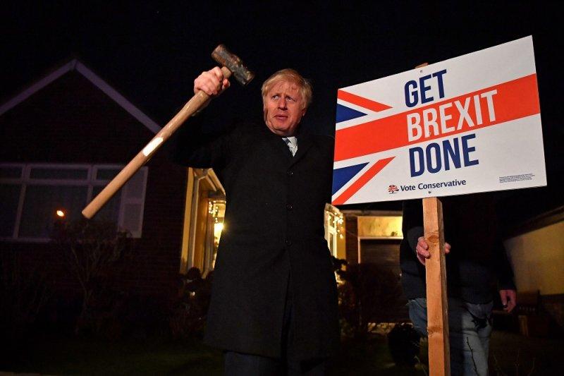 Партия консерваторов Бориса Джонсона безоговорочно победила на выборах в Британии
